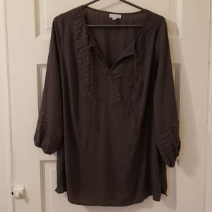 A Pea in the Pod peasant style gray top size Large
